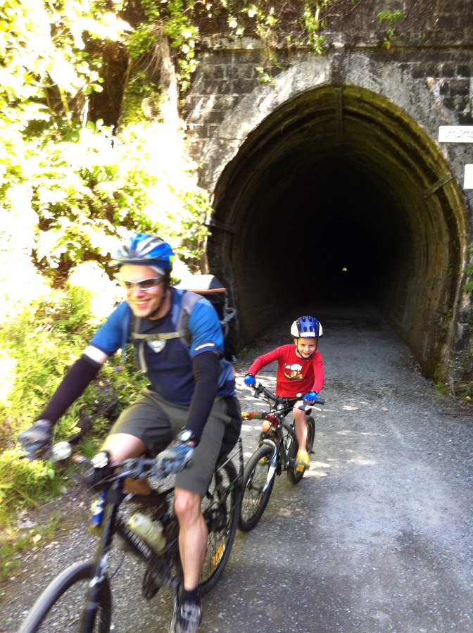10 Reasons to bike with your kids