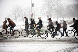 winter cycling in copenhagen by Mikael Colville-Andersen